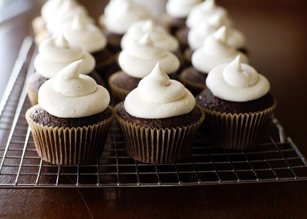 Nutty Irishman Cupcakes ( R E C I P E )
