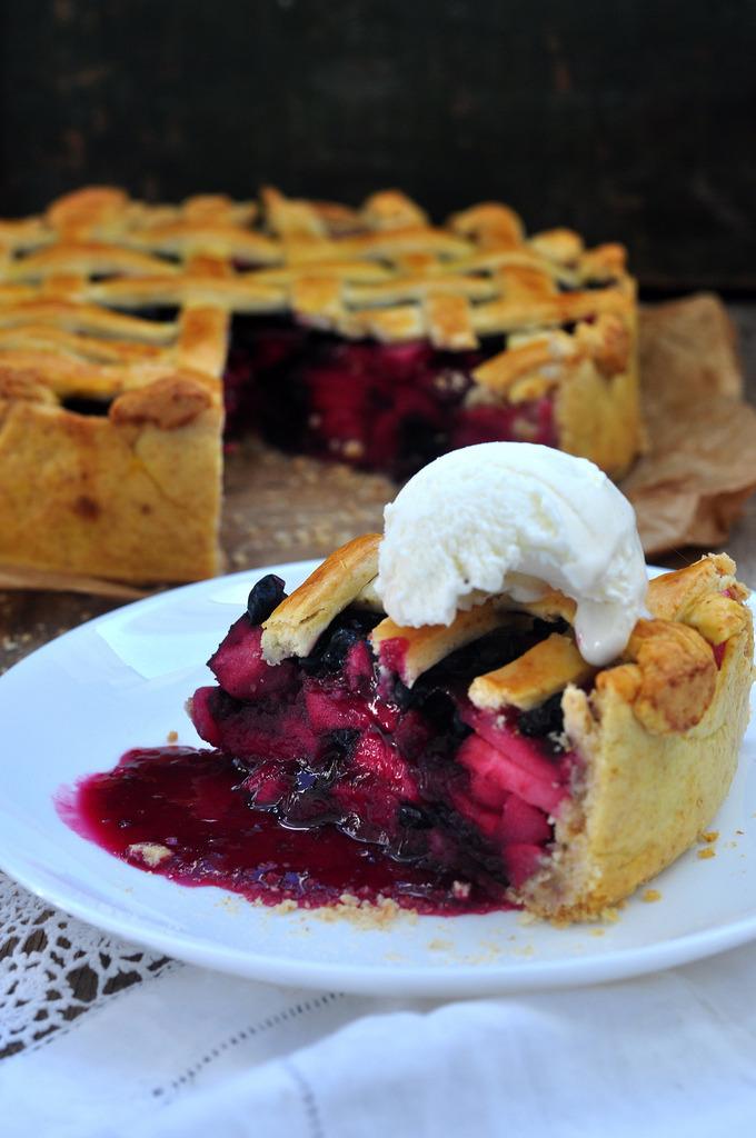Apple Blueberry Cake