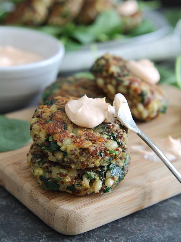(via Spinach and cheddar quinoa cakes with creamy buffalo dip)