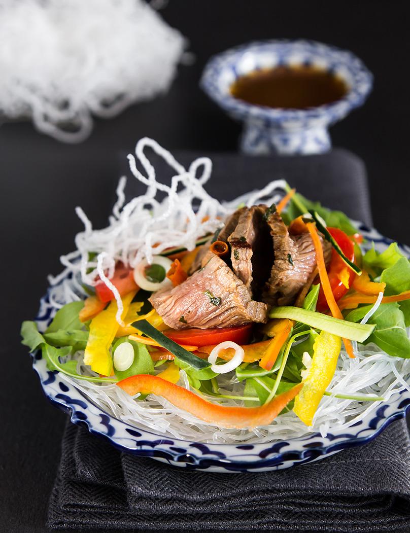 Naua woon sen Transparent noodle beef salad