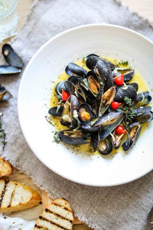 Steamed Mussels With Buttery Saffron SauceSource