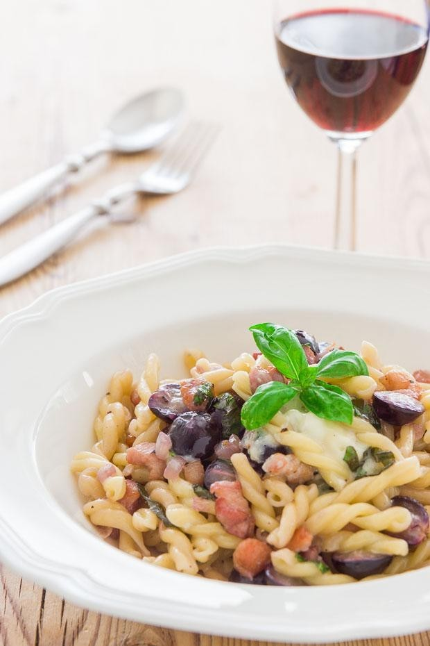Gemelli with Gorgonzola Grapes and Pancetta